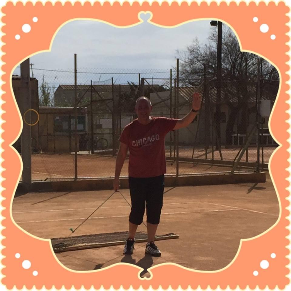 Danne spelar tennis